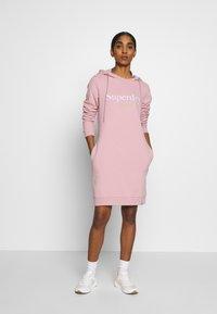 Superdry - HARPER HOODED  - Vapaa-ajan mekko - soft pink - 1