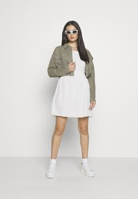 Superdry - BLAIRE BRODERIE DRESS - Vardagsklänning - chalk white - 1