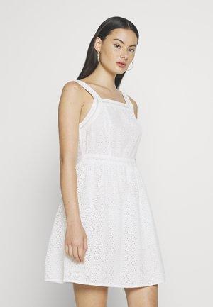 BLAIRE BRODERIE DRESS - Korte jurk - chalk white