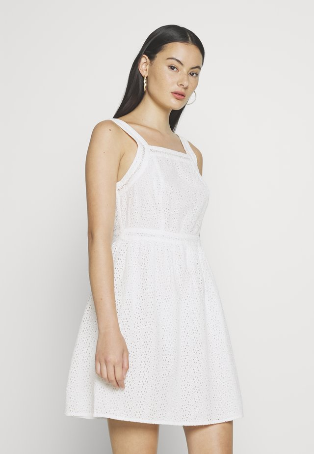 BLAIRE BRODERIE DRESS - Korte jurk - chalk white