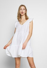 Superdry - TINSLEY TIERED DRESS - Korte jurk - chalk white - 0