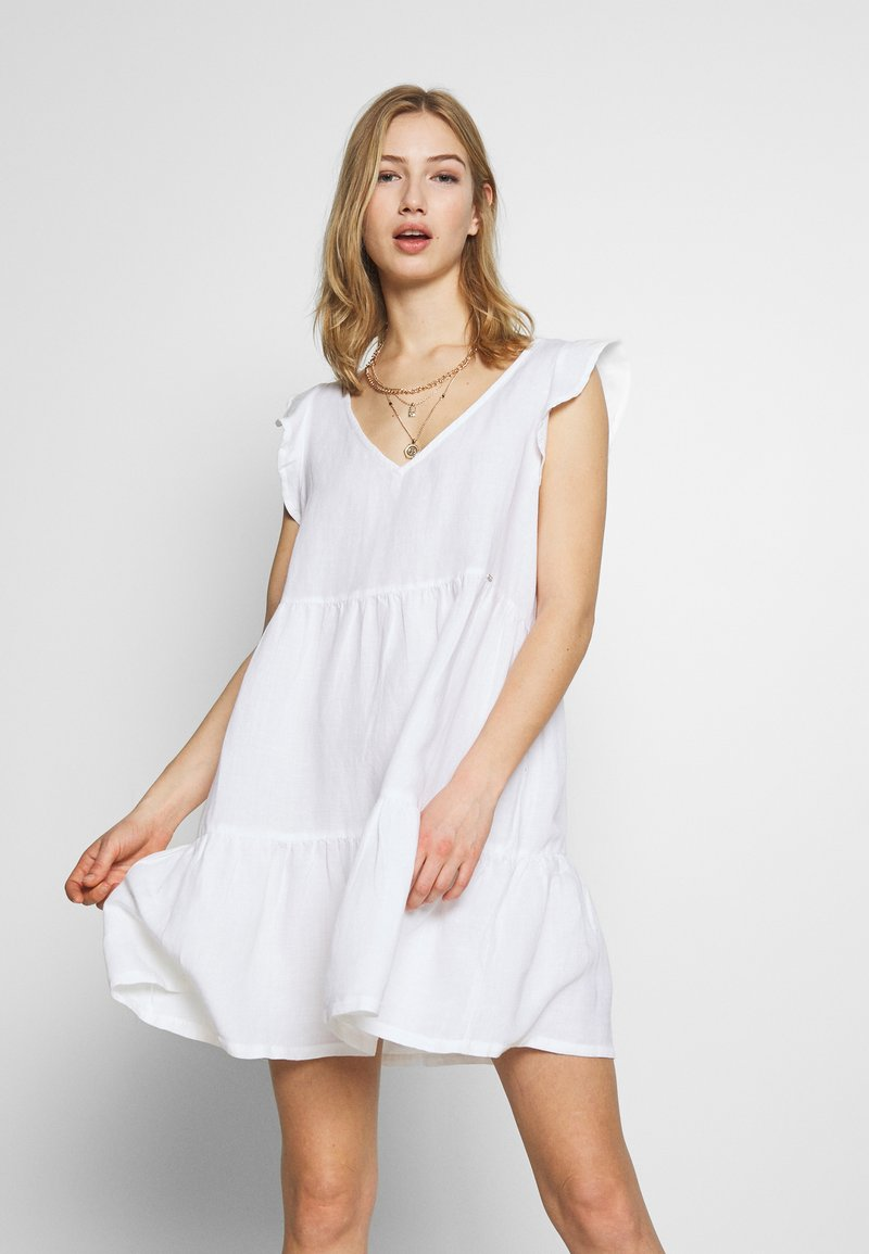 Superdry - TINSLEY TIERED DRESS - Korte jurk - chalk white