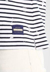 Superdry - CONVERSATIONAL BRETTON - T-shirt à manches longues - optic foil - 4