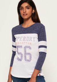 Superdry - VINTAGE BASEBALL OBERTEIL - T-shirt à manches longues - black/bright pink - 0