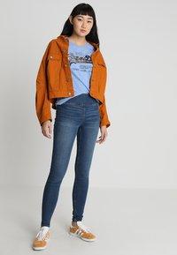 Superdry - VINTAGE LOGO CARNIVAL ENTRY TEE - T-shirt imprimé - cruz blue snowy - 1