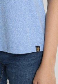 Superdry - VINTAGE LOGO CARNIVAL ENTRY TEE - T-shirt imprimé - cruz blue snowy - 5