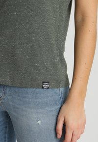Superdry - ESSENTIAL TANK - Top - washed khaki - 5
