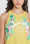 Superdry - EZRA GRAPHIC VEST - Top - rio yellow