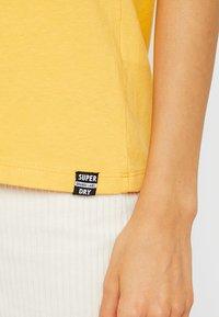 Superdry - ESSENTIAL TEE - T-shirt basic - desert ochre - 4