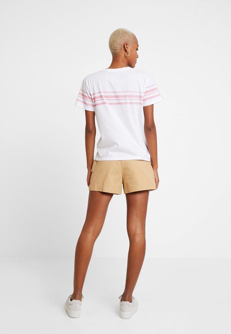 White Superdry Graphic Imprimé shirt TeeT Leona Bright dhrBxtsQCo