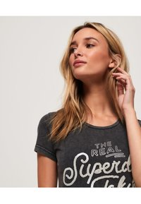 Superdry - T-shirt imprimé - acid-wash black - 3