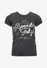 Superdry - T-shirt imprimé - acid-wash black - 4