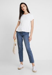 Superdry - PEPLUM RODEO TEE - T-shirts med print - off white - 1