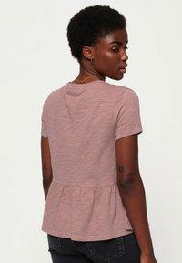 Superdry - PEPLUM RODEO TEE - T-shirts print - misty rose - 2
