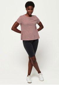 Superdry - PEPLUM RODEO TEE - T-shirts print - misty rose - 1