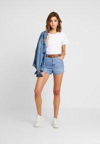 Superdry - ELITE CREW NECK TEE - T-shirt basic - white - 1