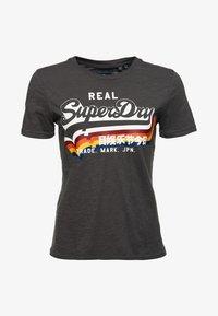 Superdry - TEE - T-shirt imprimé - black - 4