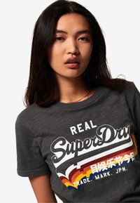 Superdry - TEE - T-shirt imprimé - black - 3