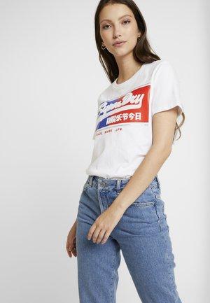 LOGO BLOCK ICON ENTRY TEE - T-shirts med print - optic
