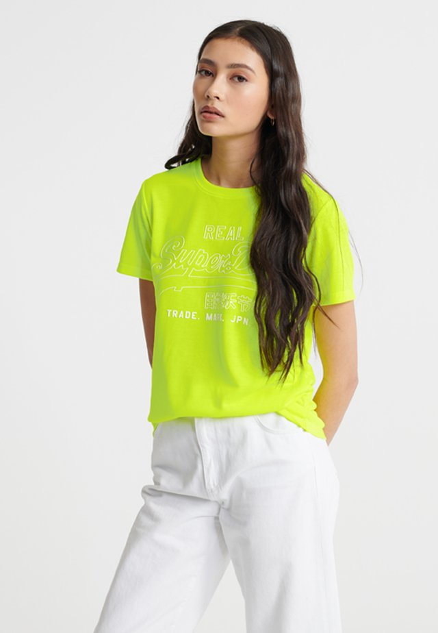 OUTLINE POP ENTRY TEE - T-Shirt print - neon yellow