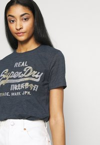 Superdry - STITCH ENTRY TEE - T-shirts med print - eclipse navy marl - 3