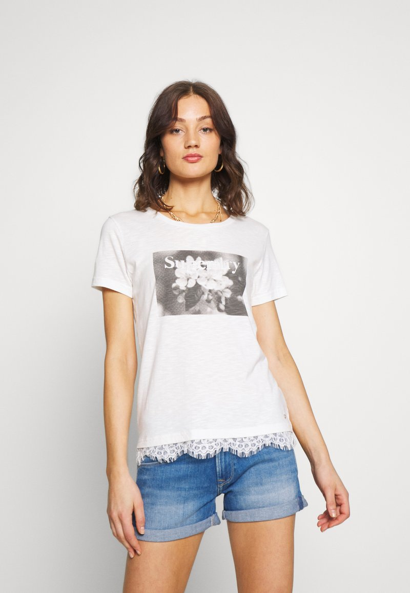 Superdry - TILLY GRAPHIC TEE - T-shirt imprimé - chalk white