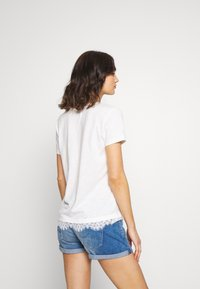 Superdry - TILLY GRAPHIC TEE - T-shirt imprimé - chalk white - 2