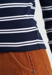 Superdry - Langærmede T-shirts - navy - 3