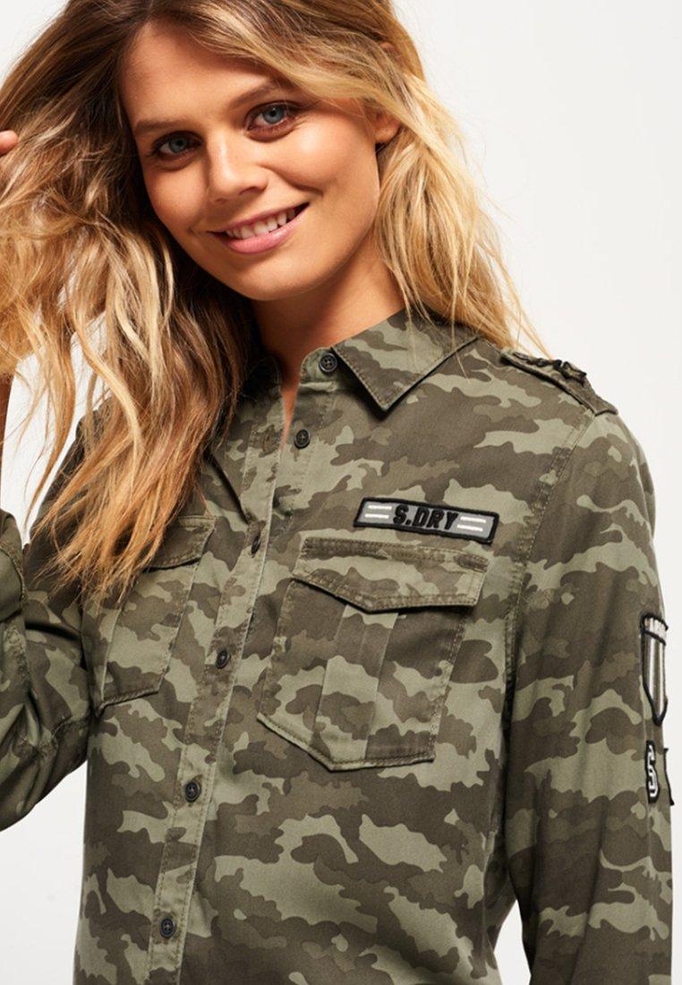 militar stil superdry