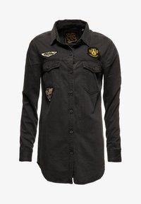 Superdry - ÜBERGROSSES  - Camisa - grey - 5