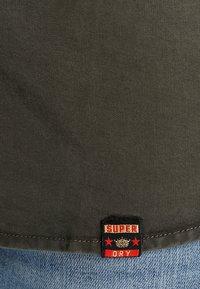 Superdry - LENNOX MILITARY - Koszula - washed khaki - 6