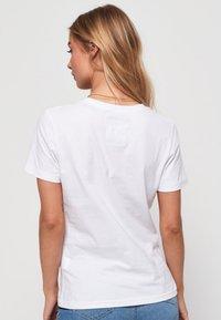 Superdry - Cascade  - T-shirt imprimé - white - 2
