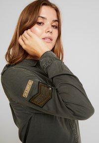 Superdry - HARLOWE MILITARY - Camisa - washed khaki - 3