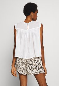 Superdry - ELLISON TEXTURED VEST - Blouse - oyster - 2