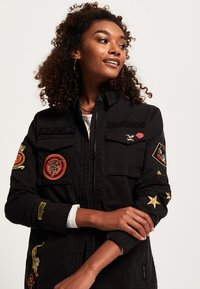 Superdry - ROOKIE ARMY - Chaqueta fina - washed black - 3