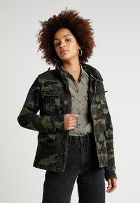 Superdry - JADE ROOKIE POCKET JACKET - Kurtka wiosenna - khaki/brown - 0