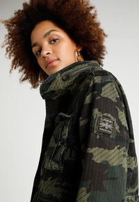 Superdry - JADE ROOKIE POCKET JACKET - Kurtka wiosenna - khaki/brown - 3