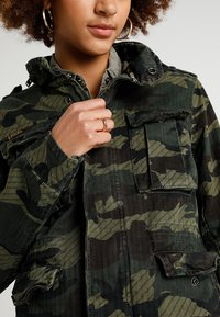 Superdry - JADE ROOKIE POCKET JACKET - Kurtka wiosenna - khaki/brown - 5