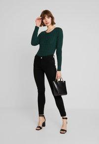 Superdry - CROYDE CABLE  - Jersey de punto - emerald green - 1