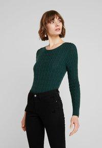 Superdry - CROYDE CABLE  - Jersey de punto - emerald green - 0