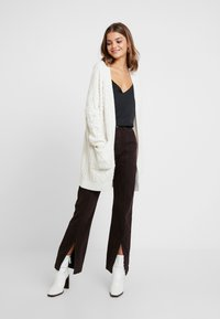Superdry - LANNAH CABLE CARDIGAN - Chaqueta de punto - winter - 1