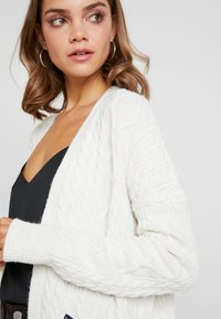 Superdry - LANNAH CABLE CARDIGAN - Chaqueta de punto - winter - 3