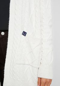 Superdry - LANNAH CABLE CARDIGAN - Chaqueta de punto - winter - 5