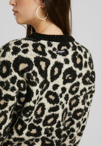 Superdry - LISA LEOPARD JUMPER - Jumper - brown - 4