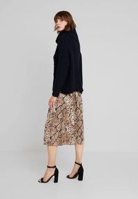Superdry - TORI CABLE CAPE - Trui - rinse navy - 2