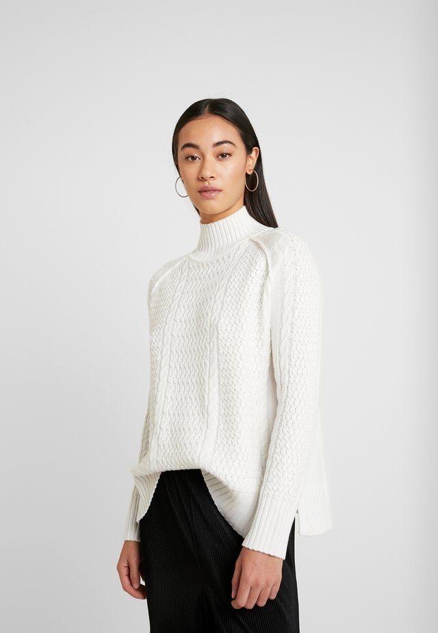 PHEOBE CABLE LIGHTWEIGHT - Sweter - cream