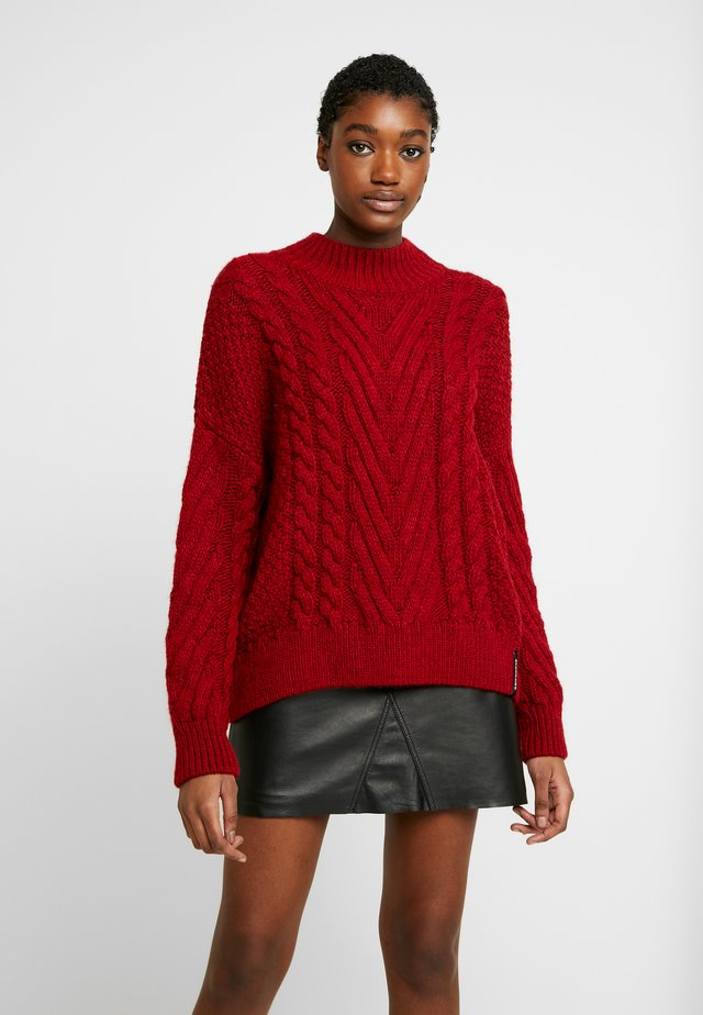 DALLAS CHUNKY CABLE - Sweter - rio red