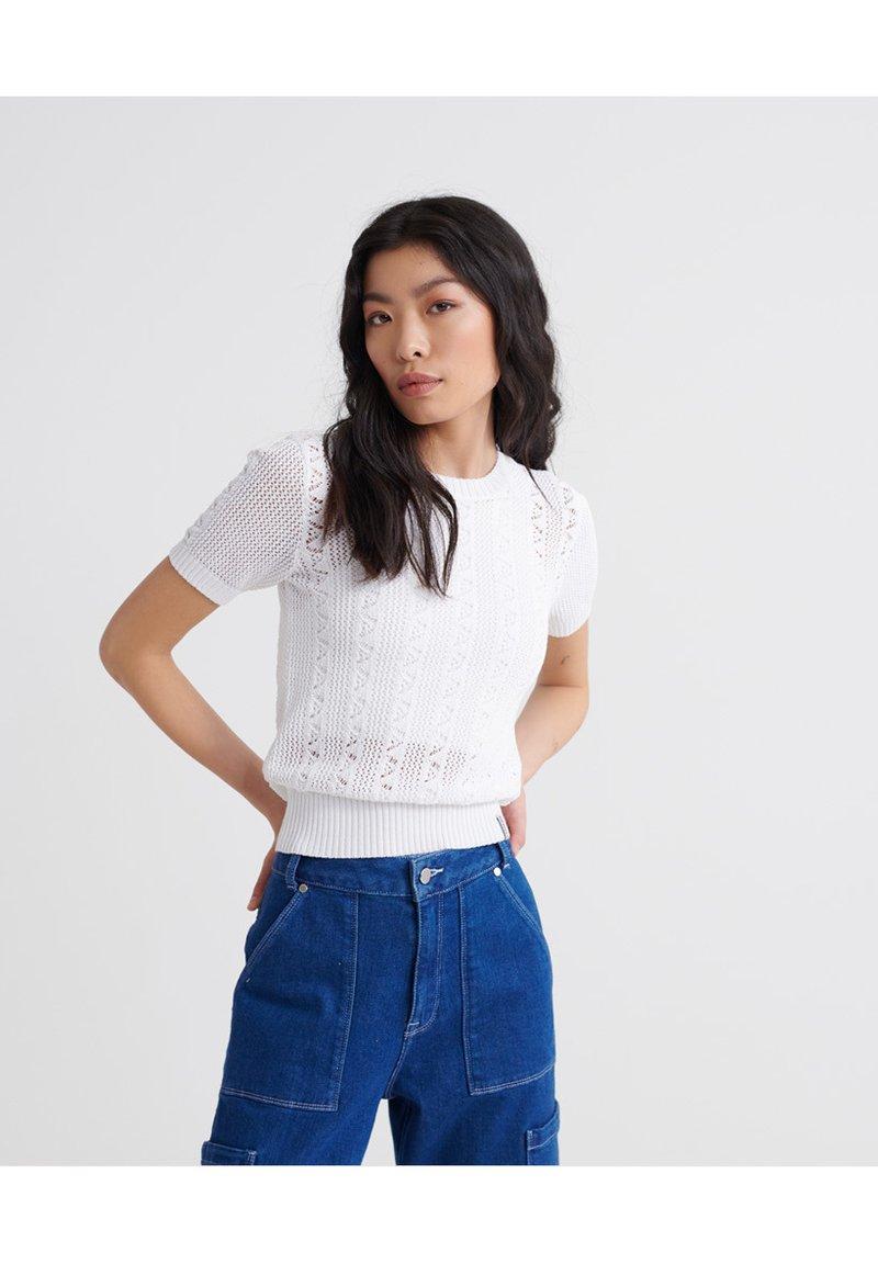 Superdry - BELLA POINTELLE - T-shirt imprimé - chalk white