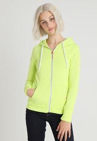 Superdry - ATHLETIC ZIPHOOD - Zip-up hoodie - city lime - 0
