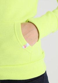 Superdry - ATHLETIC ZIPHOOD - Zip-up hoodie - city lime - 5